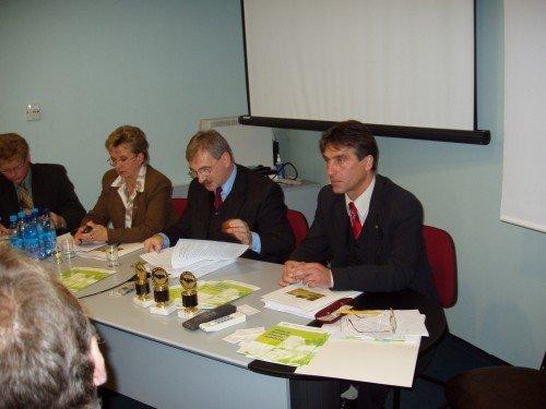 VIII FORUM ZGWWP – 23-24 Października 2003 R.
